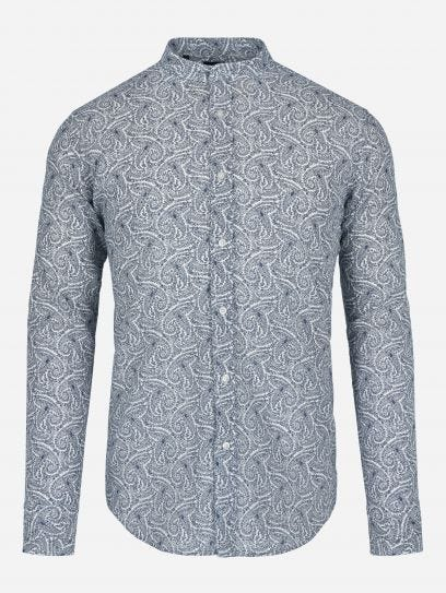 Camisa casual de paisleys.